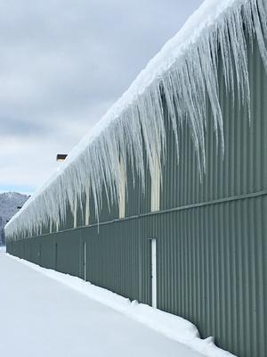 Slider hangar ice