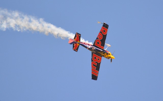 Slider airshow red bull inverted
